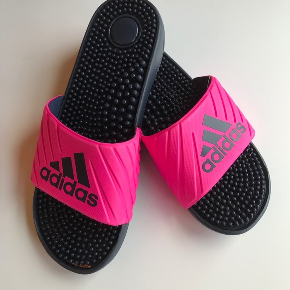 580e50a264fc ✨HOST PICK✨Adidas slide NWT hot pink sandal 8